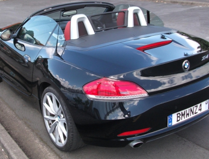bmw z4 sdrive35i 2009 car review aa new zealand. Black Bedroom Furniture Sets. Home Design Ideas