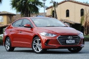 Hyundai Elantra 2016 car review