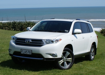 toyota highlander 2010 car review aa new zealand