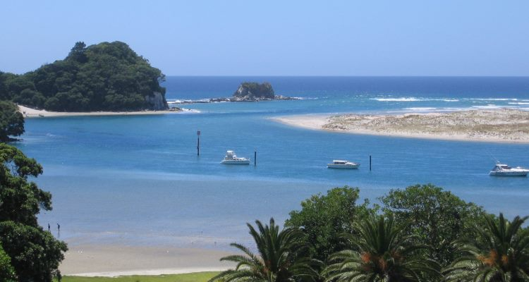 Mangawhai New Zealand  city photos : Queenstown AA New Zealand also Mangawhai New Zealand Beach further ...