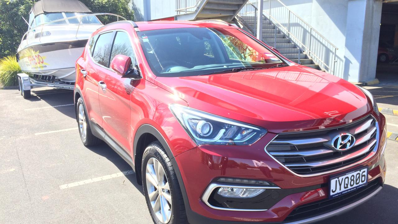 hyundai santa fe elite 2016 towing review aa new zealand. Black Bedroom Furniture Sets. Home Design Ideas