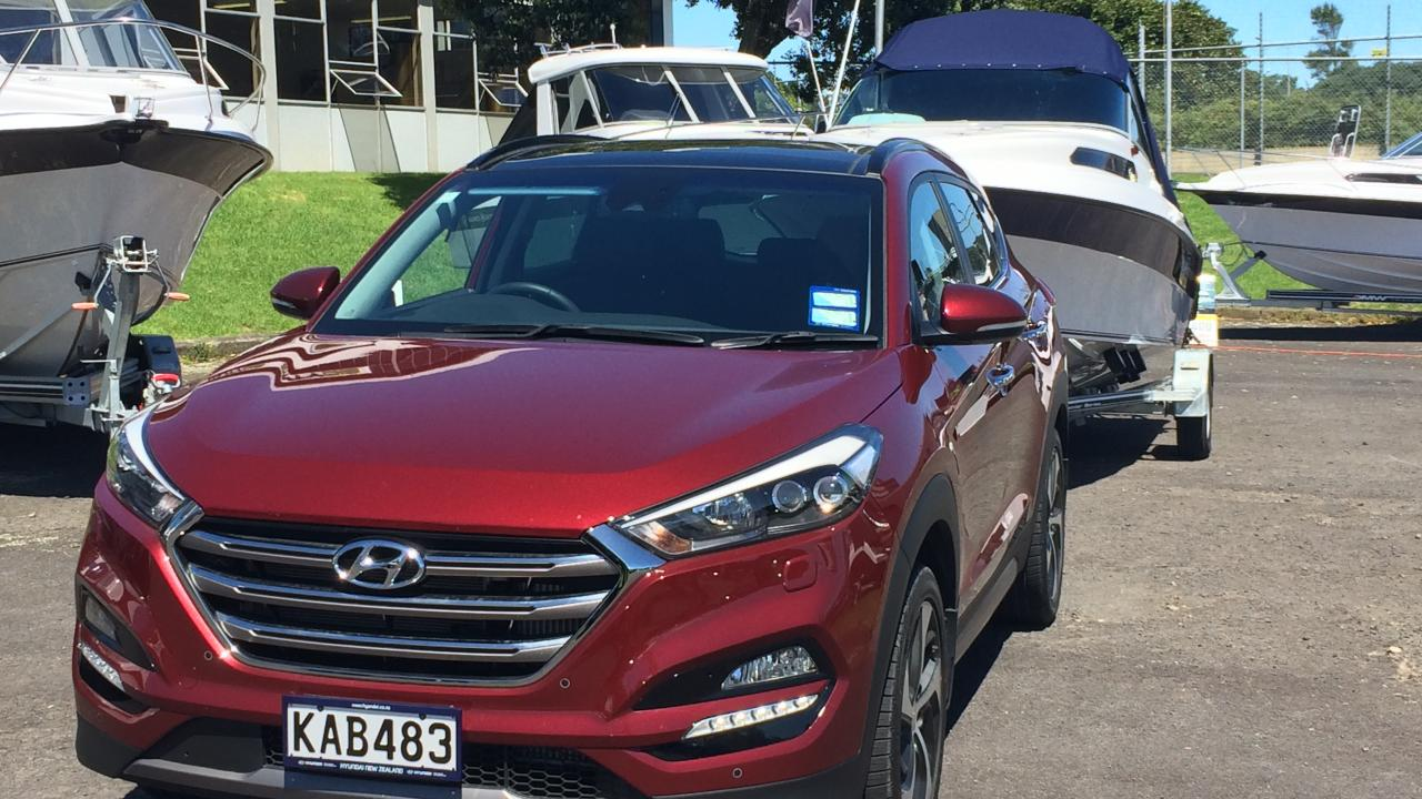 hyundai tucson 2016 towing review aa new zealand. Black Bedroom Furniture Sets. Home Design Ideas