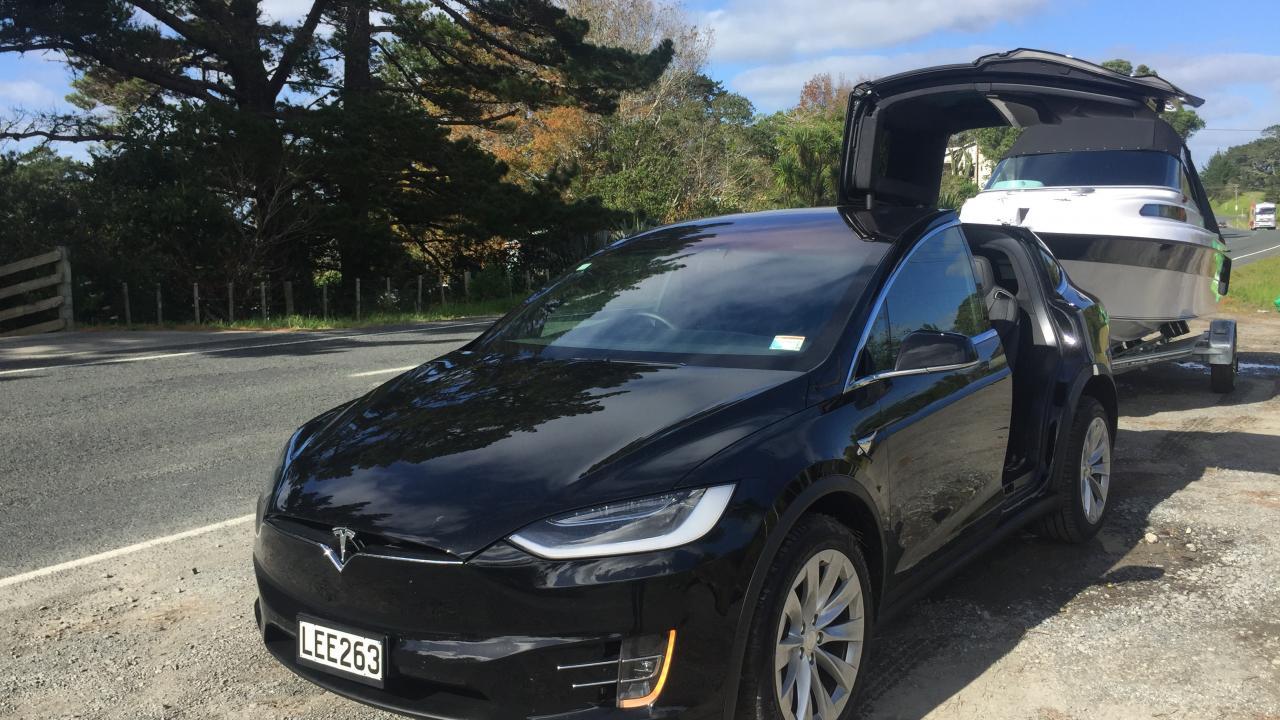 Tesla Model X 2018 Towing Review