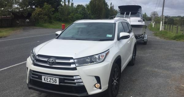 Toyota Highlander Towing Capacity >> Toyota Highlander 2017 Towing Review Aa New Zealand