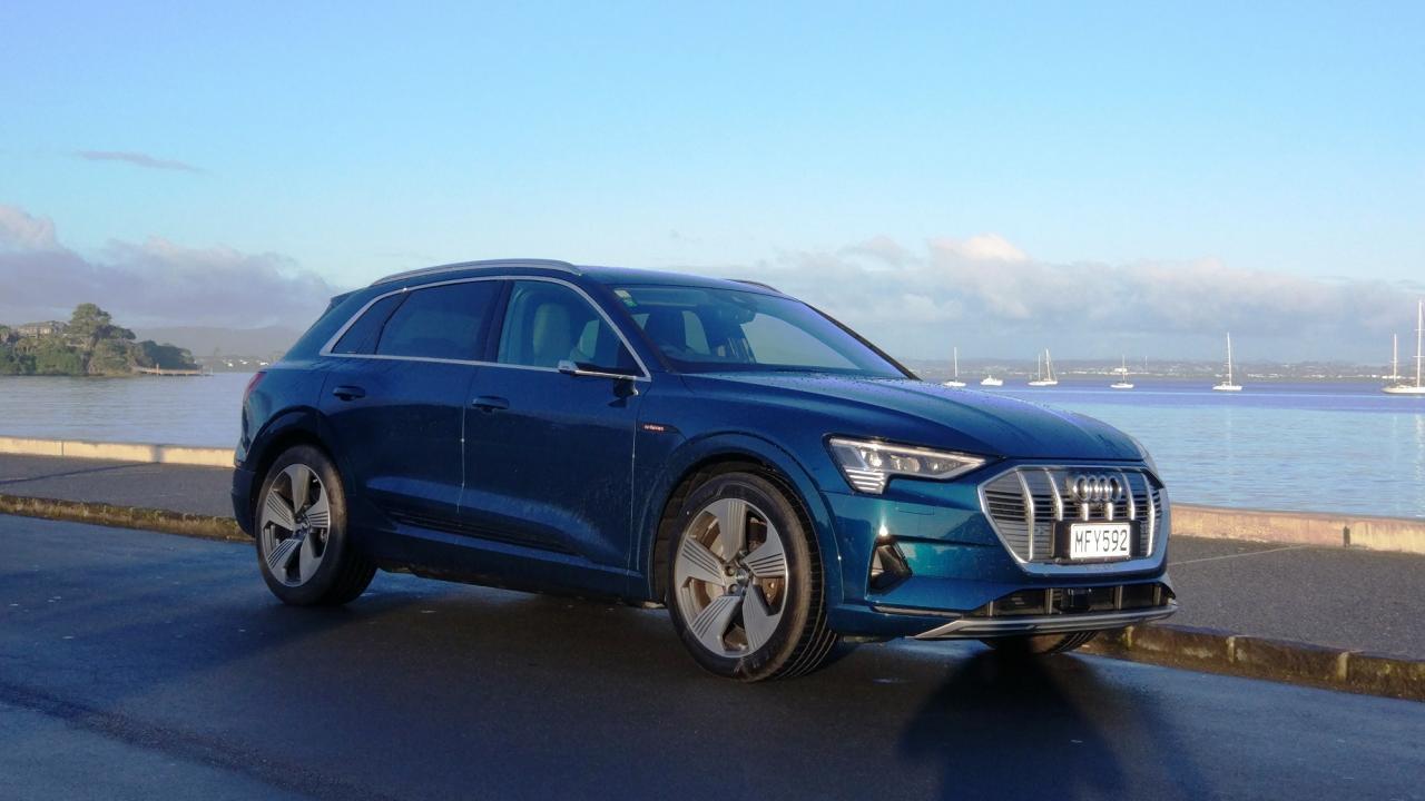 Audi e-tron 2019 Car Review