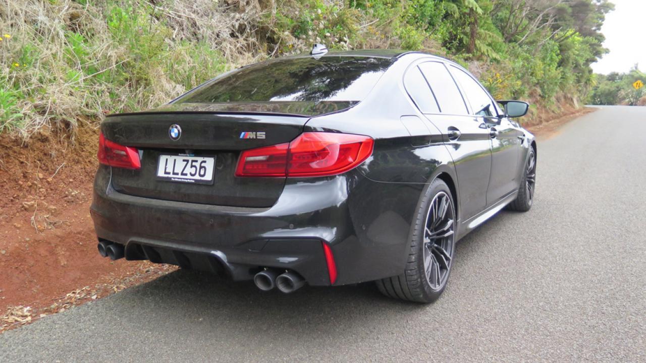BMW M5 2018 Car Review