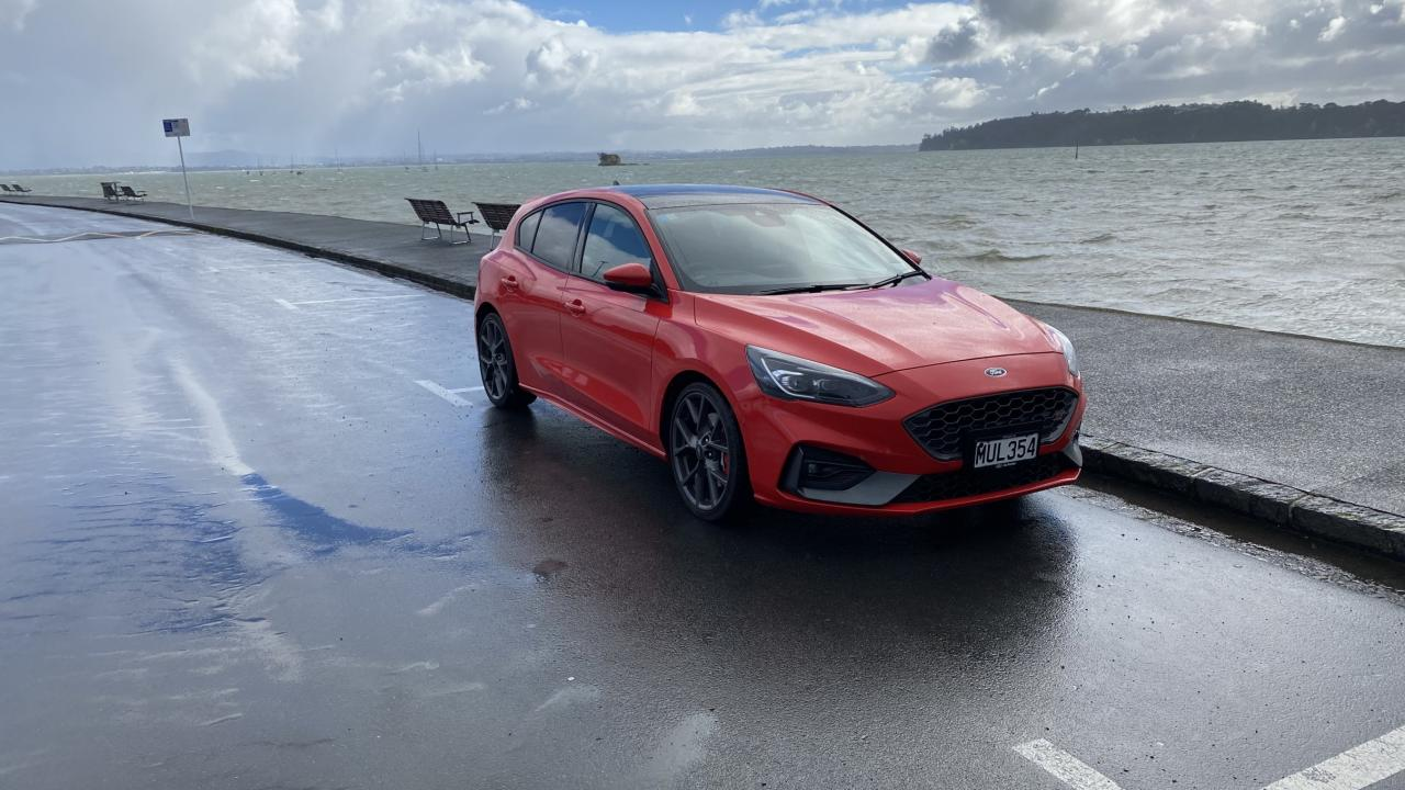 Ford Focus ST 2021 Car Review