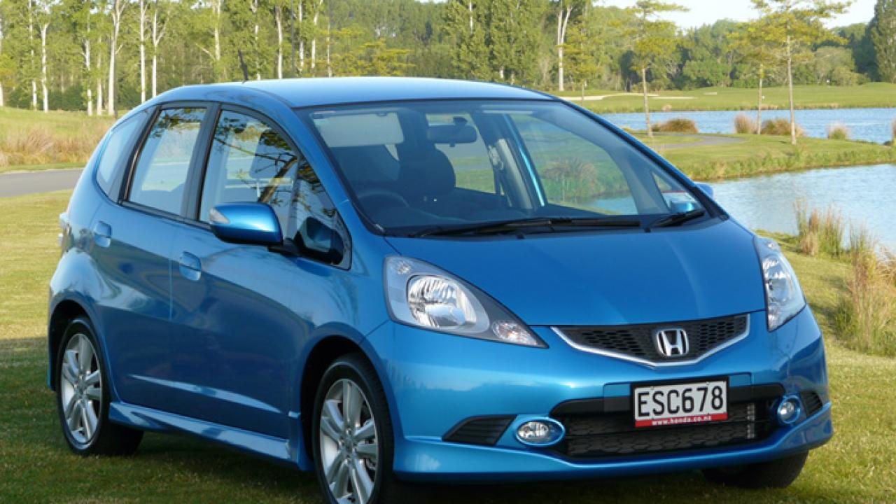 honda jazz 1 5 sport 2009 car review aa new zealand. Black Bedroom Furniture Sets. Home Design Ideas