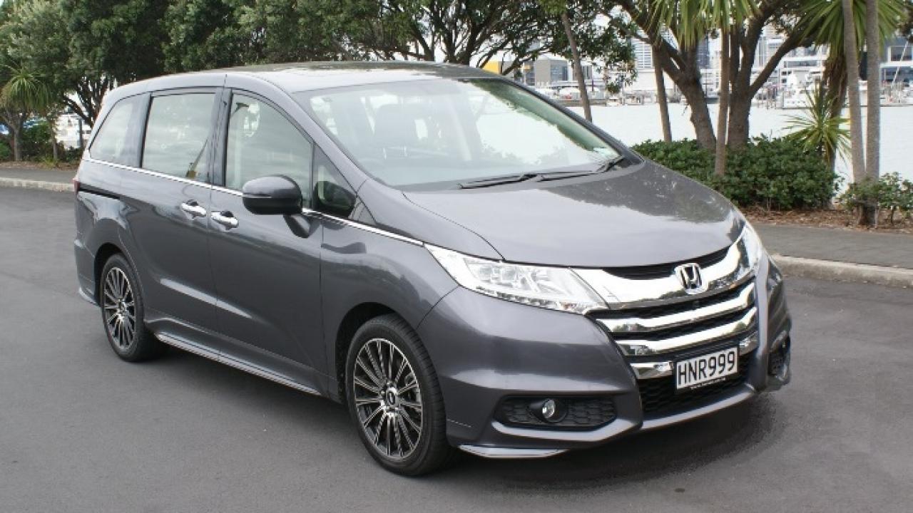 Kelebihan Honda Odyssey 2015 Perbandingan Harga