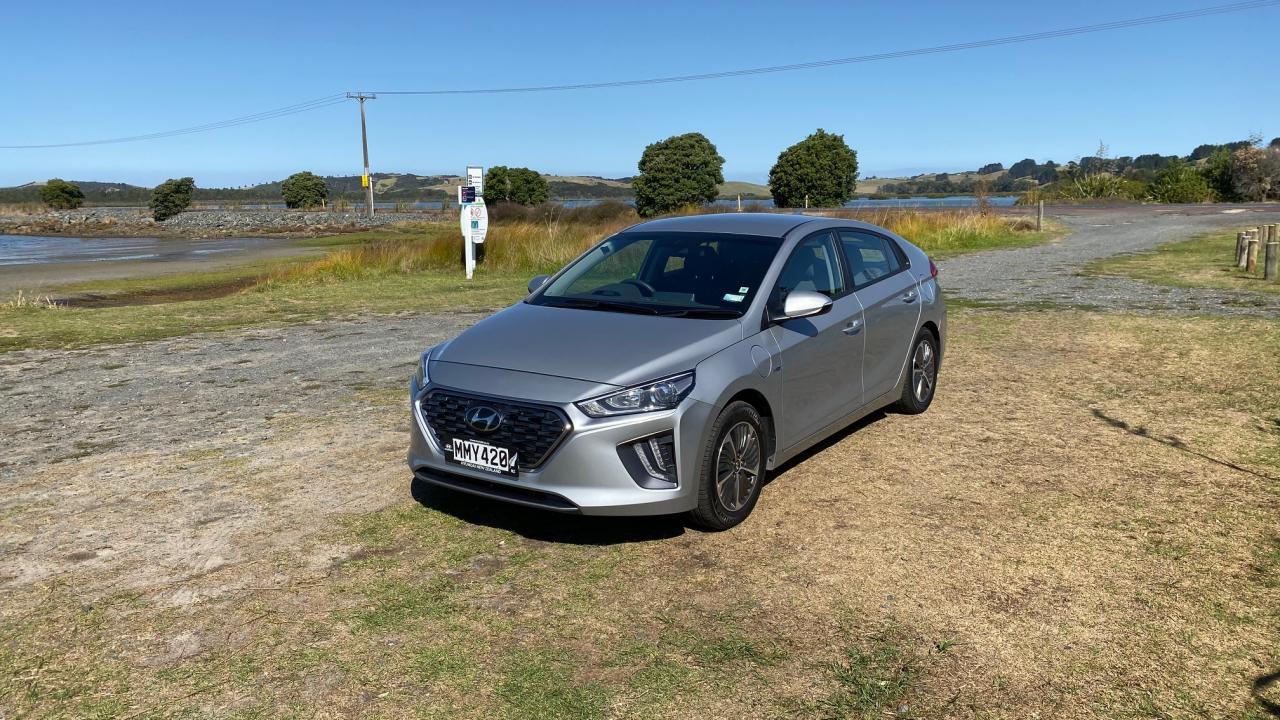 Hyundai IONIQ (PHEV) 2020 Car Review
