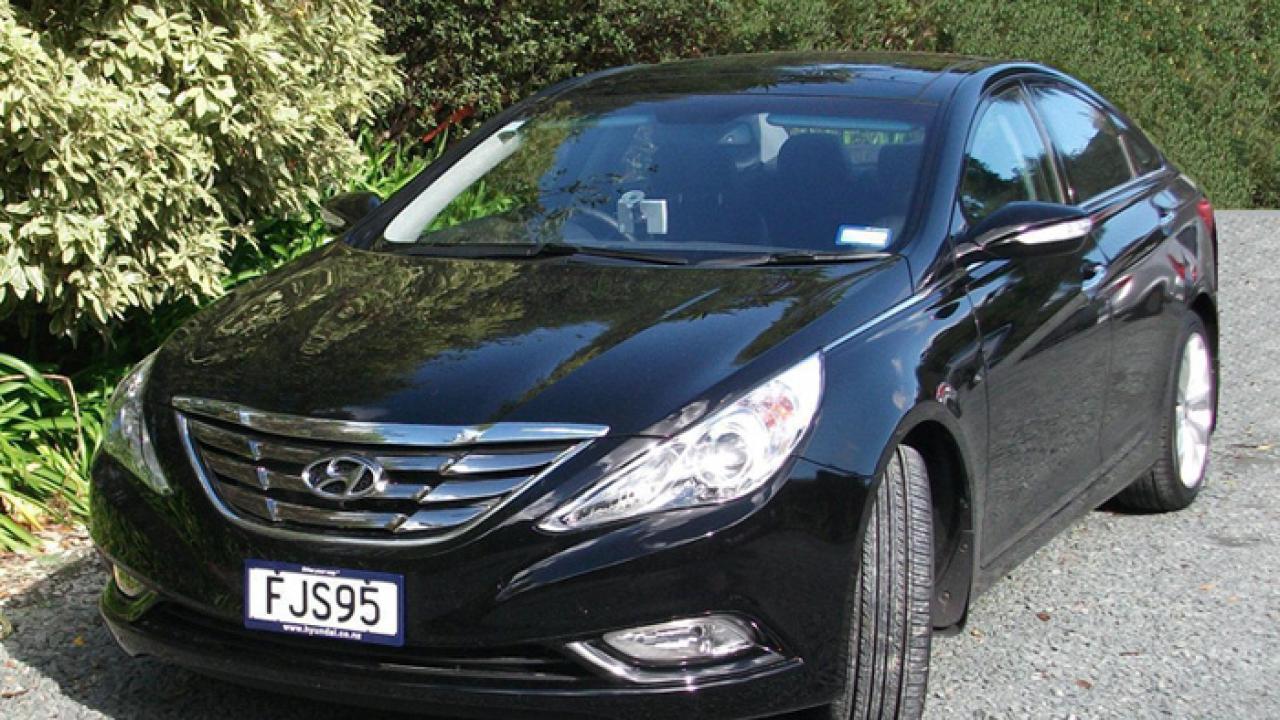 Hyundai I45 2010 01