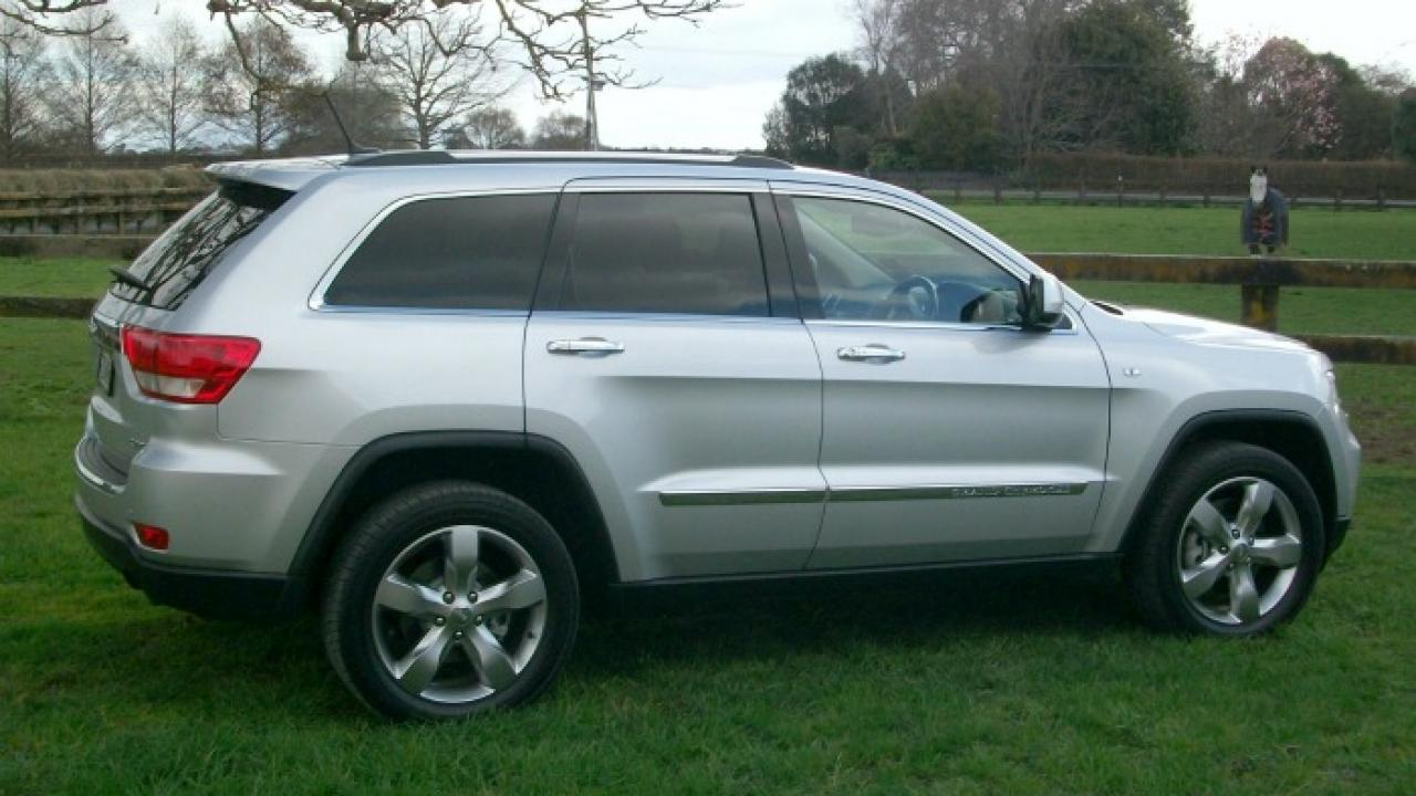 Jeep Grand Cherokee Overland 2011 Car Review | AA New Zealand