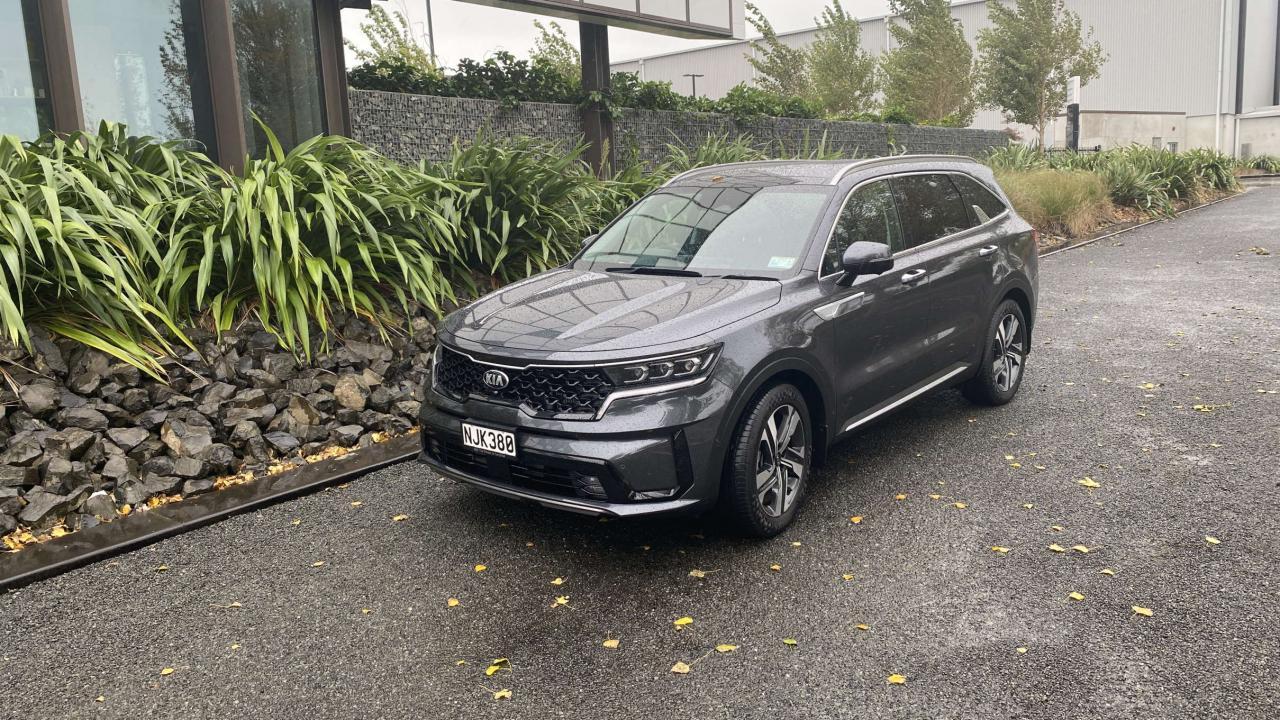 Kia Sorento PHEV 2021 Car Review