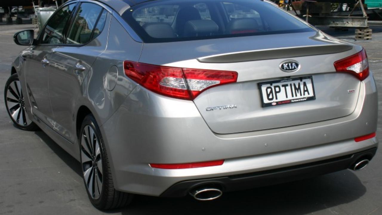 Kia Optima 2011 Car Review Aa New Zealand Rear Spoiler 03