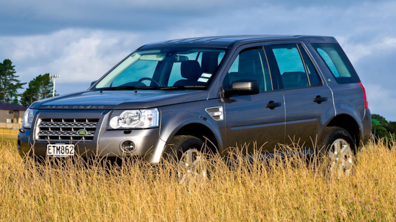 land rover freelander 2 td4 se 2009 car review aa new zealand. Black Bedroom Furniture Sets. Home Design Ideas