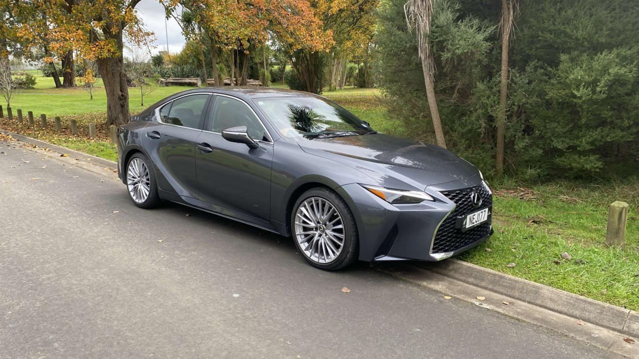 Lexus IS300 2021 Car Review