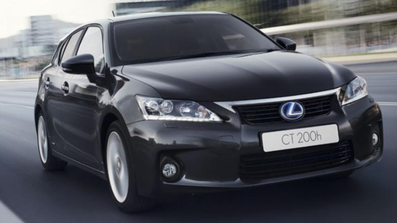 Lexus CT200H Front 1
