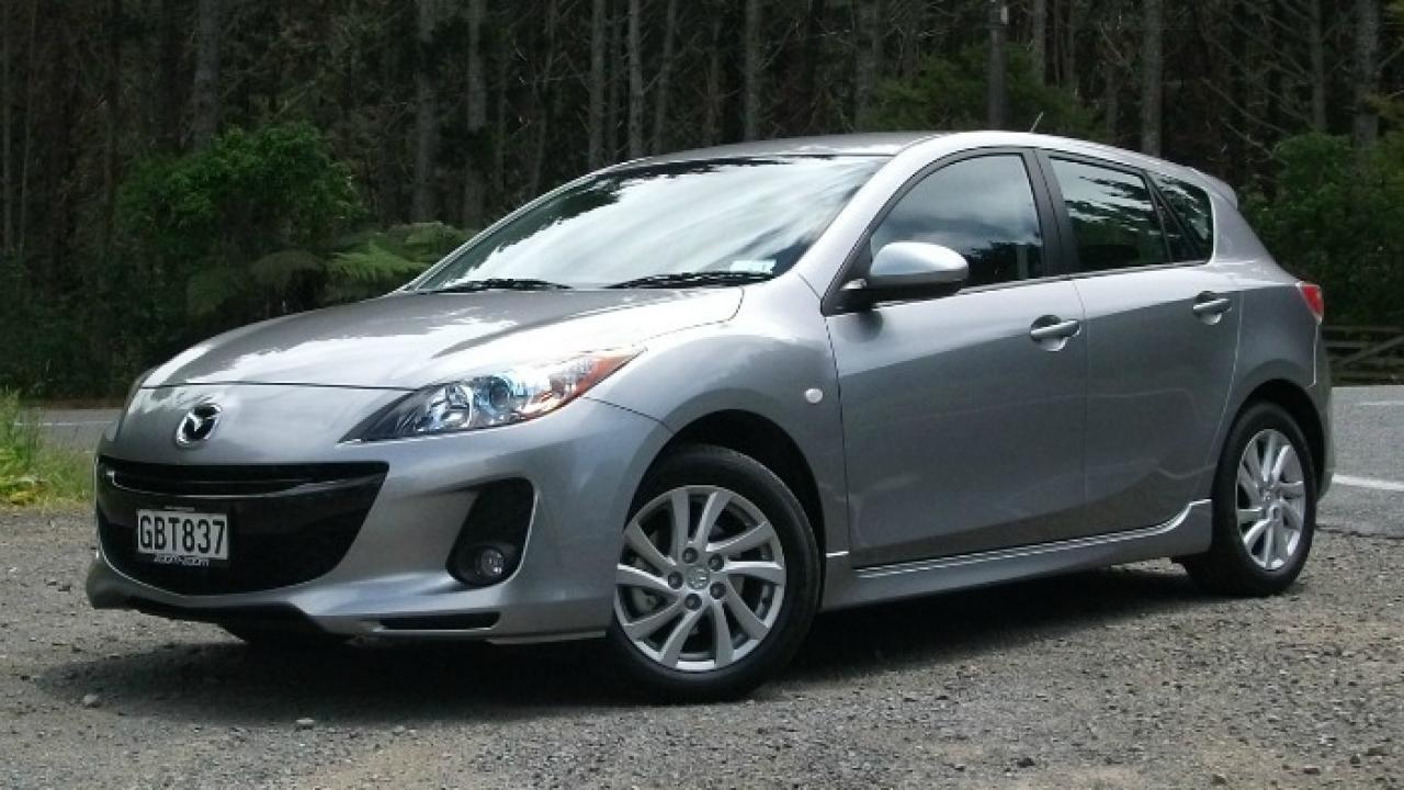 Mazda3 SKYACTIV 2011