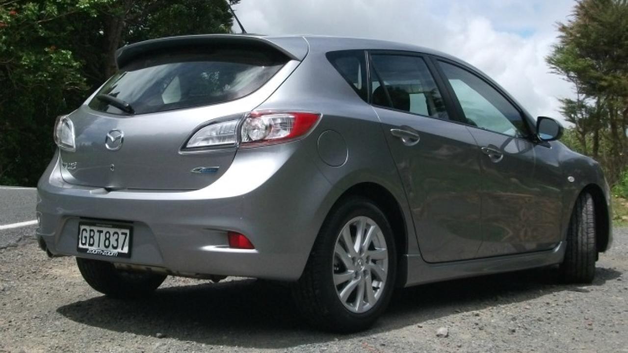 Charming Mazda 3 2011 3