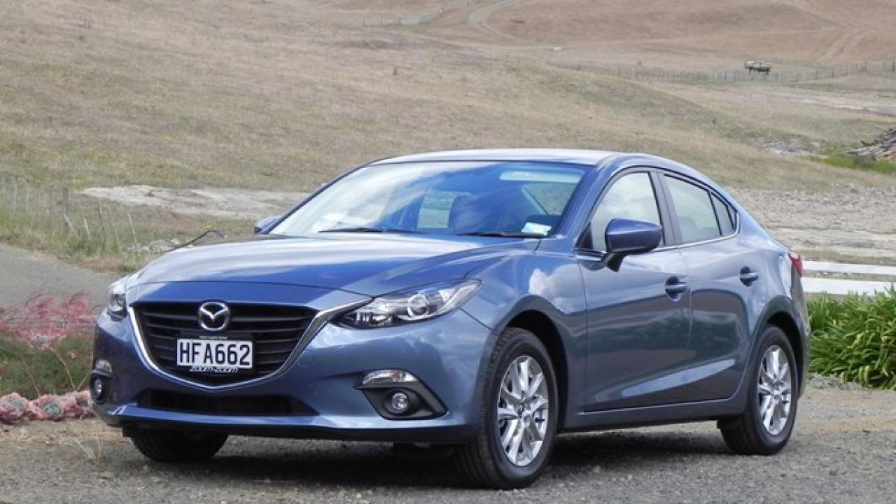 Mazda 3 Owners Manual: Forward Obstruction Warning (FOW))