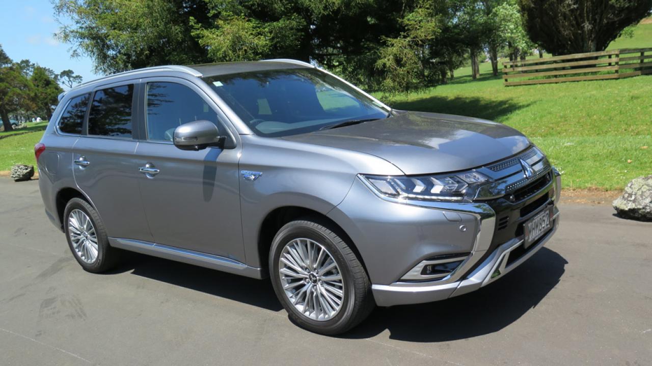Mitsubishi Outlander Phev 2020 Car Review Aa New Zealand