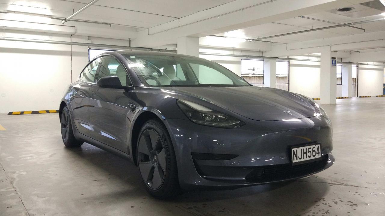 Tesla Model 3 2021 Car Review