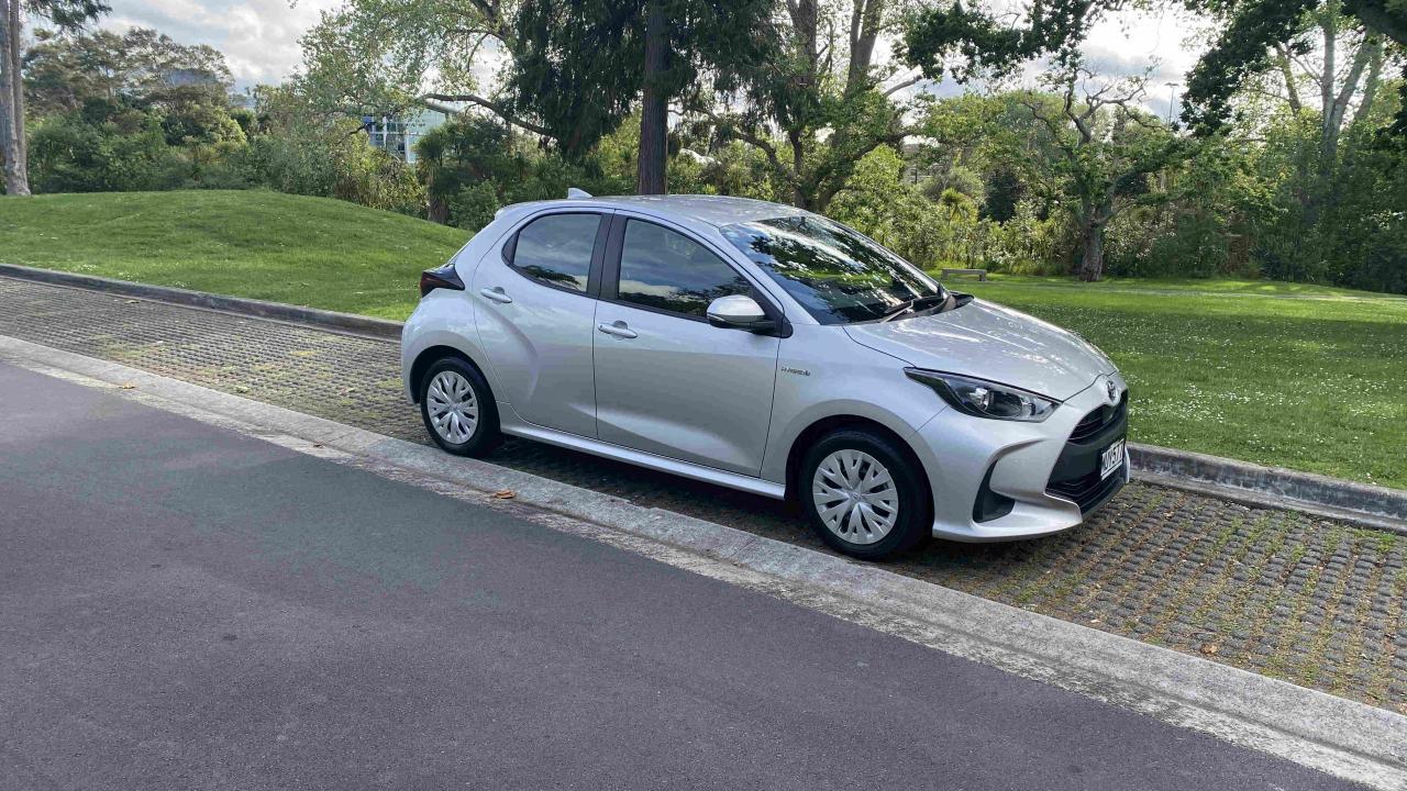 Toyota Yaris GX Hybrid 2020 Car Review