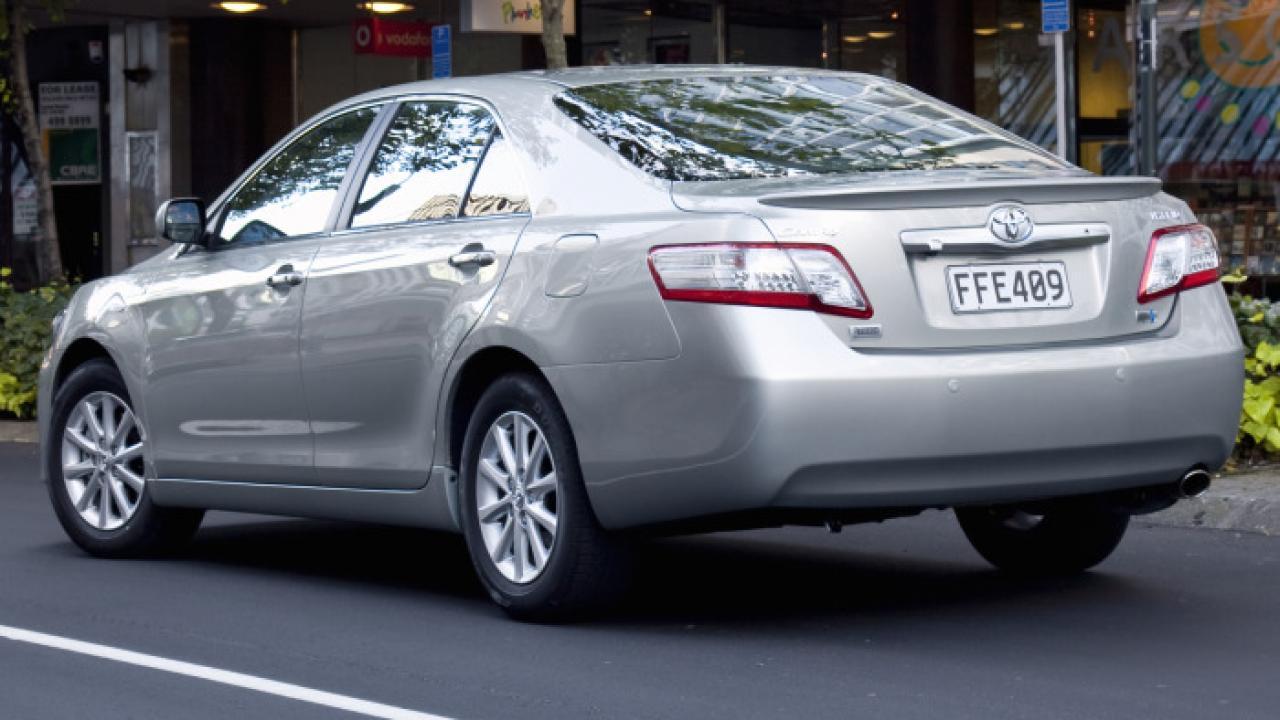 Toyota Camry Hybrid 2010 05