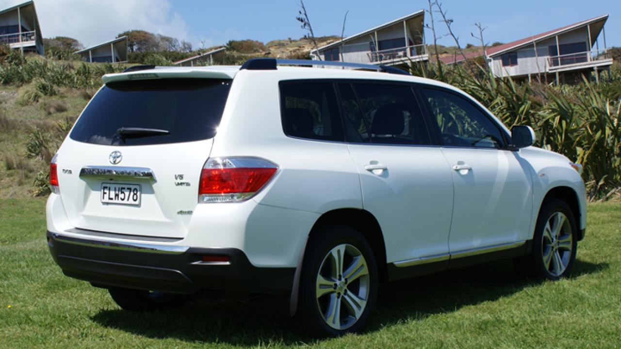 Toyota Highlander 2010 Car Review | AA New Zealand