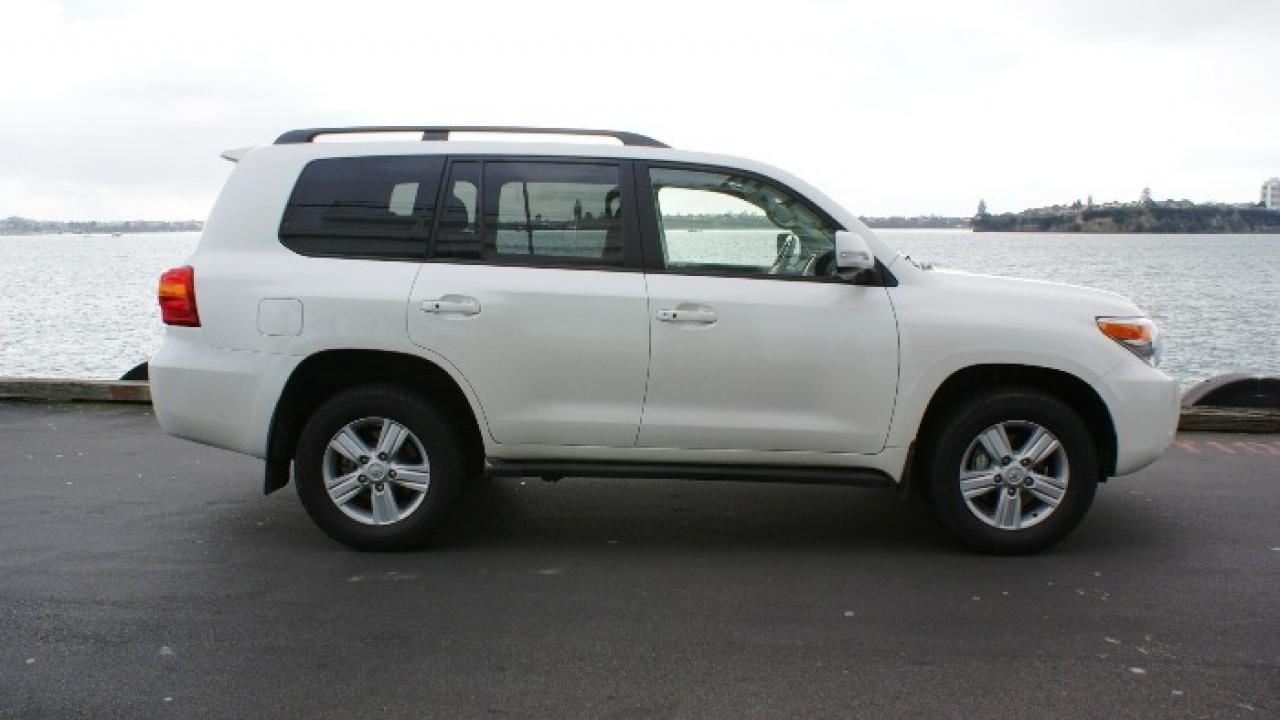 Kelebihan Toyota Land Cruiser 2013 Tangguh