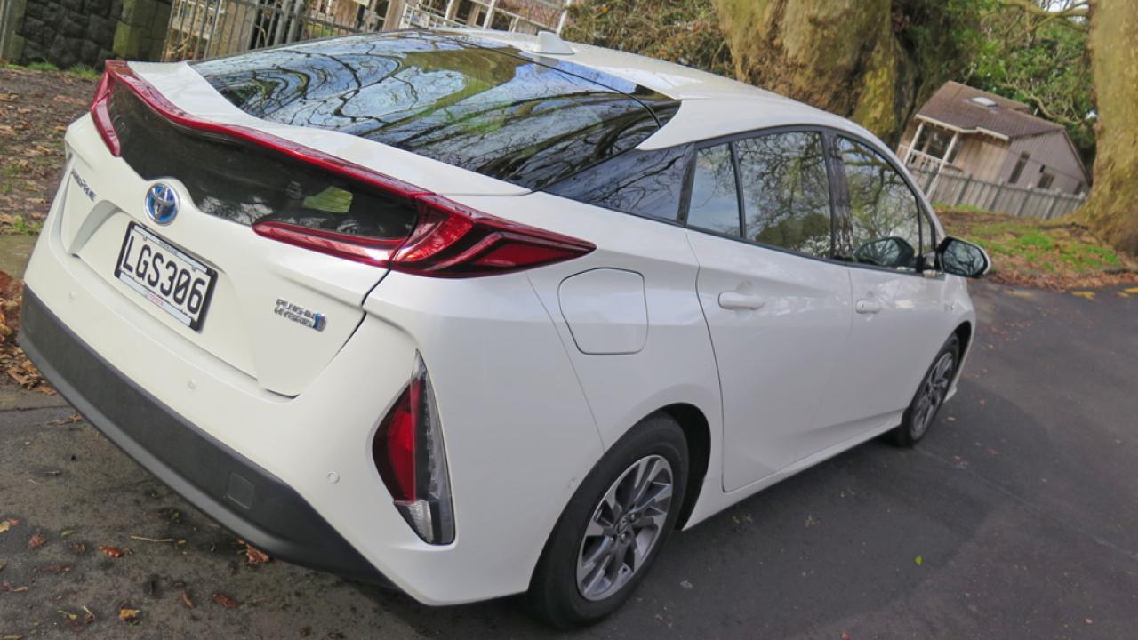 Toyota Prius Prime Jm3 18