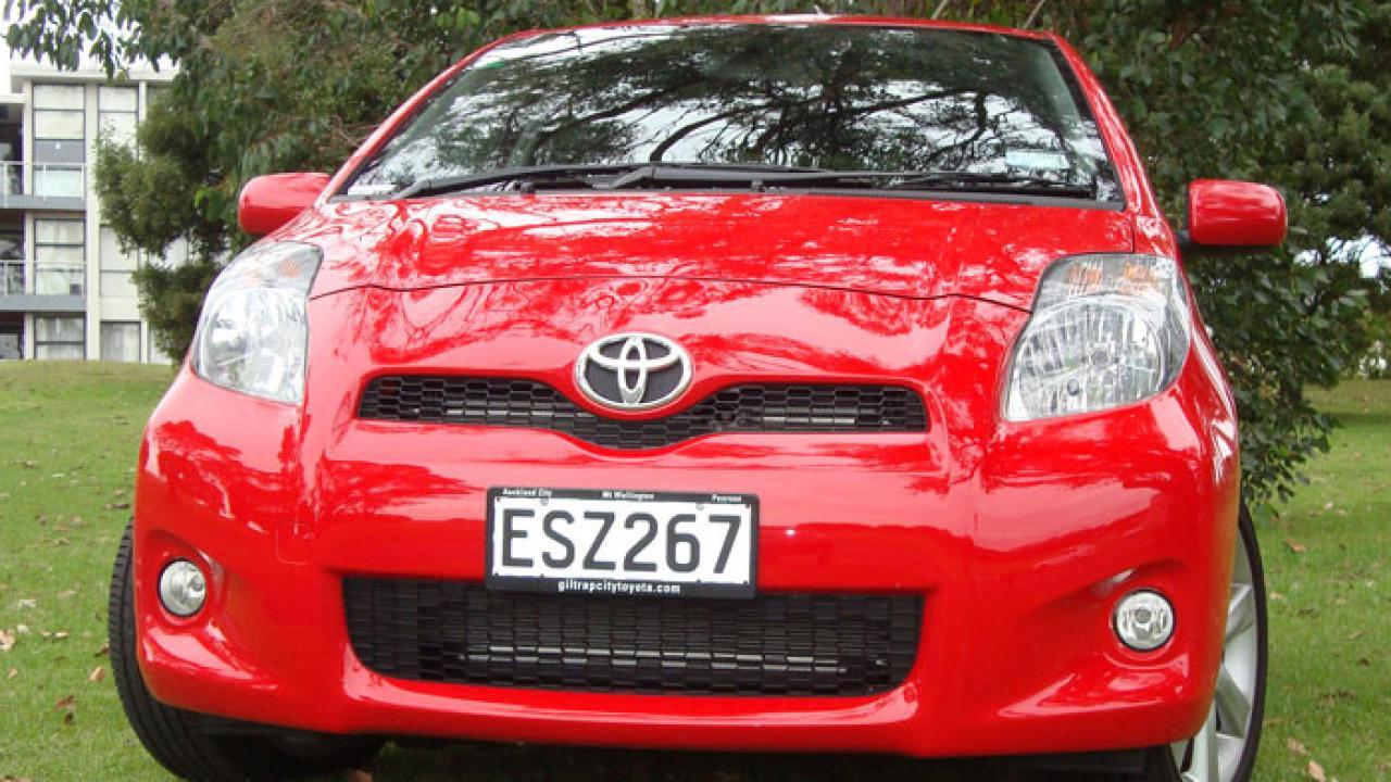 Toyota Yaris 2009 01